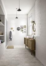 модернистични  бели плочки за баня