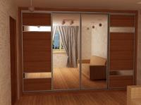 Гардероб с 4 плъзгащи врати с огледала