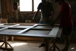 изработка по поръчка на дървени портални врати