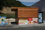 Изработване и монтиране на дървени сергии по поръчка
