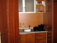 Компактна офис кухня