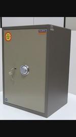 Метален сейф с шифър и ключ депозитен