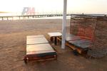 Качествени дървени шезлонги за плаж